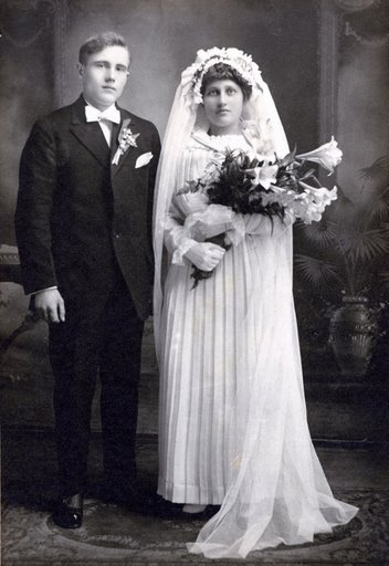1915gown