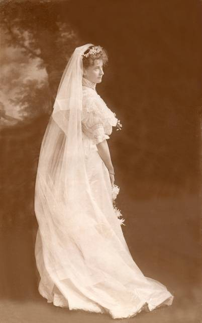 1906gown