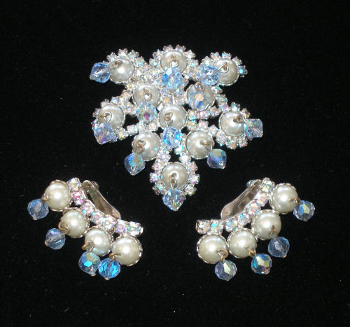 Blue Pearl Dangle Set